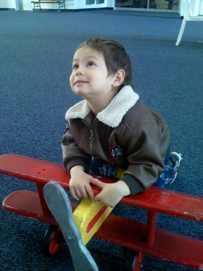 Sammy at the Hiller Aviation Museum, San Carlos, CA, sometime in December 2007